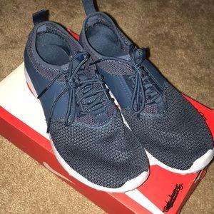Women's Nike Juvenate Sneaker TXT- Size 7